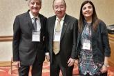 Dr. José Luis Akaki (México y Secretario Permanente de la SOLAMI), acompañado de la Dra. Andrea Vaucher (Presidente de la Sociedad de Medicina Interna del Uruguay) y del Dr. Aland Bisso